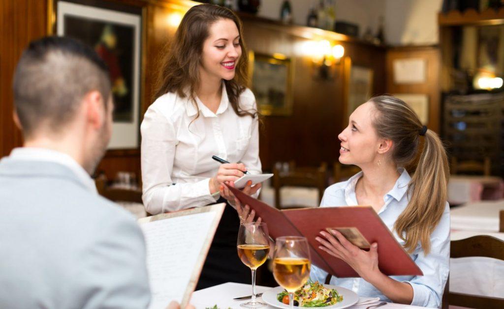 quy trình phục vụ nhà hàng